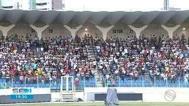 Fiéis de paróquias de Sergipe se reuniram em solenidade em Aracaju - Celebração aconteceu na Arena Batistão, em Aracaju.