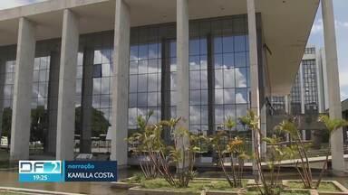Justiça do DF condena empresa e ex-gestor da Saúde - A empresa Intensicare e o servidor Ricardo Cardoso dos Santos, ex-diretor do Fundo de Saúde do DF, foram condenados pela participação em um esquema de corrupção e desvio de emendas parlamentares na área de Saúde. Eles podem recorrer da decisão.