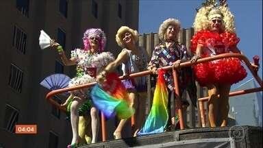 Parada do Orgulho LGBT reúne três milhões de pessoas em São Paulo - Segundo os organizadores, três milhões de pessoas participaram da Parada do Orgulho LGBT, na Avenida Paulista, São Paulo. Foram sete horas de apresentações.