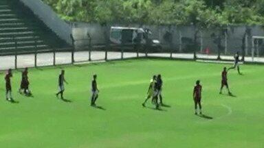 Já eliminado, União Mogi é goleado pelo Paulista no Nogueirão - Time mogiano foi superado por 5 a 1 na manhã do último domingo, pelo Paulista da Segunda Divisão.