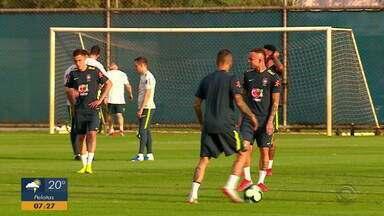 Brasil enfrenta o Paraguai na Copa América, em Porto Alegre - Técnico Tite foca treinos contra o adversário.