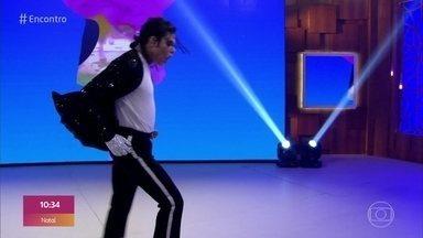 Rodrigo Teaser homenageia Michael Jackson nos 10 anos de morte do astro - Principal cover brasileiro de Michael Jackson se apresenta com o sucesso 'Billie Jean' e comenta as polêmicas que envolvem o artista
