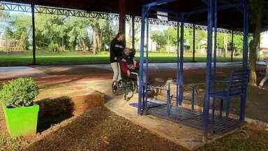 Projeto em Coronel Barros permite inclusão de crianças PCDs em brincadeiras - Desde abril, dois balanços adaptados foram instalados em um parque da cidade.