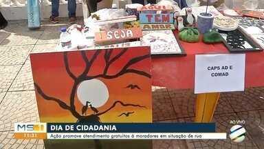Moradores em situação de rua, em Ladário, recebem atenção - Foram oferecidos serviços na área de saúde e cidadania.