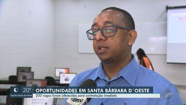 Feira de empregos em Santa Bárbara D'Oeste oferece 200 vagas para contratação imediata - As salas de aula de uma faculdade foram transformadas em RH de várias empresas. A feira de empregos ofereceu 200 vagas.