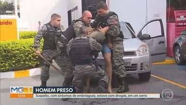 PM imobiliza homem com drogas em posto de combustível de Belo Horizonte - A equipe do MG1 flagrou o momento da prisão.