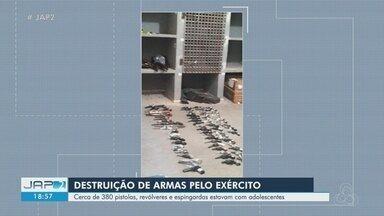 Armas e munições apreendidas em 20 anos com adolescentes no AP são destruídas - Revólveres, pistolas, espingardas estavam armazenados desde 1994 na Deiai, em Macapá.