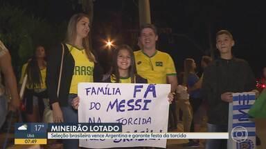Mais de 55 mil pessoas foram ao estádio para ver Brasil e Argentina - Os torcedores lotaram o Mineirão para acompanhar o clássico entre Brasil e Argentina. A festa começou bem antes do jogo.
