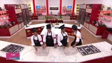 Duplas preparam massas frescas para a prova do 'Super Chef Celebridades' - Veja como a galera enfrentou o desafio para entregar seus pratos