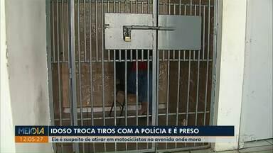 Idoso de 65 anos é preso depois de trocar tiros com a Polícia Militar em Ponta Grossa - O homem é suspeito de atirar em motociclistas na avenida onde mora.