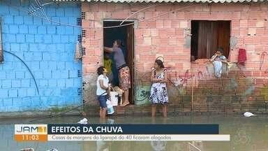 Em Manaus, chuva forte causa transtornos a população - Casas ficaram alagadas.