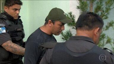 Operação prende 25 pessoas acusadas de participar de uma milícia em Itaboraí - Além de ser responsável por vários assassinatos, a quadrilha é acusada pelos investigadores de cobrar taxas do Comperj para permitir o transporte de funcionários.
