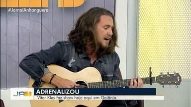 Cantor Vitor Kley se apresenta em Goiânia neste sábado - Artista canta seus sucessos no Jornal Anhanguera.