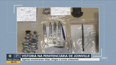 Agentes encontram chips, drogas e armas artesanais em penitenciária de Joinville - Agentes encontram chips, drogas e armas artesanais em penitenciária de Joinville