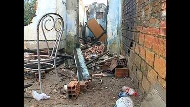 Morre homem que tentou salvar mulher em incêndio no bairro Santa Marta - Rogério de Castro, 45 anos, teve 80% do corpo queimado, e não resistiu aos ferimentos.