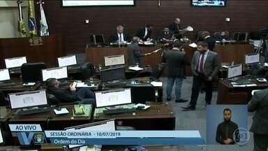 Vereadores de Florianópolis aprovam vale alimentação para eles que passa de R$ 1.000 - Os vereadores da cidade precisaram de apenas 26 segundos para aprovar a medida.