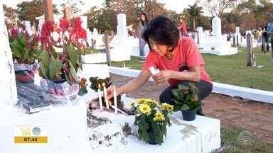 """""""Convite às almas"""" é celebrado em Álvares Machado - Shokonsai é realizado em cemitério japonês há 99 anos."""
