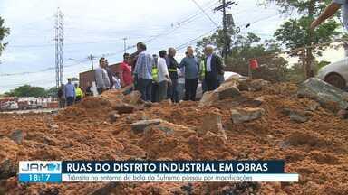 Trecho da Bola da Suframa em Manaus é parcialmente interditado para obras - Houve um estreitamento na pista que contorna a rotatória.