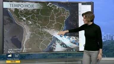 Dia será de chuva fraca no Rio - Será um terça-feira de tempo nublado e chuva a qualquer hora. Ao longo da semana o tempo ira melhorar. Fim de semana deverá ser de sol.