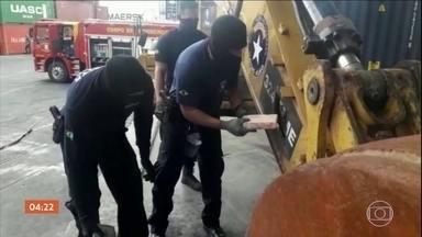 Dez pessoas são presas na África ao tentar mandar cocaína para a Europa - Autoridades federais estão intensificando a fiscalização no Porto de Santos, em São Paulo e a medida tem dado resultado. Desde o ano passado, grandes carregamentos de cocaína foram apreendidos.