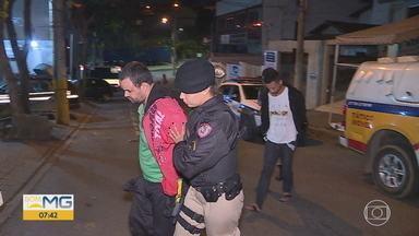 Quatro suspeitos de série de assaltos são presos na Grande BH - Dois deles foram presos após perseguição; os crimes foram cometidos em Betim e em Contagem.