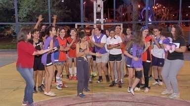 Grupo de mulheres se junta para jogar futebol em Campo Grande - Grupo de mulheres se junta para jogar futebol em Campo Grande