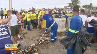 Prefeitura de Olinda retira 600 quilos de lixo da Praia Del Chifre - Mutirão teve apoio de voluntários, do Exército e da Marinha.