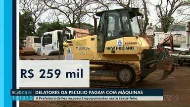 Delatores da Operação Pecúlio pagam parte das indenizações com máquinas e caminhões - A Prefeitura de Foz recebeu 5 equipamentos nesta sexta-feira.