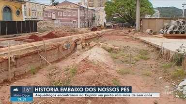 Arqueológicos encontram porão com mais de cem anos no Largo da Alfândega, em Florianópolis - Arqueológicos encontram porão com mais de cem anos no Largo da Alfândega, em Florianópolis