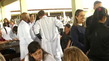 Parque Centenário, em Mogi das Cruzes, recebe o evento 'Compartilhando Amor' - Evento é organizado pela Primeira Igreja Batista de Mogi das Cruzes.