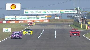 Júlio Campos vence primeira corrida da etapa de Santa Cruz do Sul da Stock Car - Júlio Campos vence primeira corrida da etapa de Santa Cruz do Sul da Stock Car