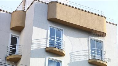 Técnico que fazia impermeabilização de sofá teve alta do hospital - Explosão em apartamento foi há pouco mais de três semanas. Um menino de 11 anos morreu.