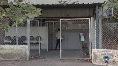 Pacientes com diabetes encaram dificuldades para conseguir remédios em Bauru - Pacientes de Bauru estão com dificuldade de conseguir remédios com regularidade para diabetes depois que o governo federal anunciou a suspensão da produção de insulina e mais 18 medicamentos distribuídos de graça.