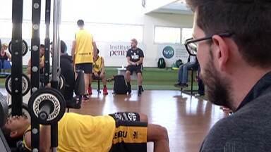 Mogi Basquete treina para a próxima temporada - Atletas passaram por avaliação de rendimento esportivo.