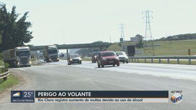 Rio Claro registra aumento de multas devido ao uso de álcool - Comandante do Pelotão da Polícia Rodoviária explica que a ingestão ocasiona sonolência ou extrema confiança.