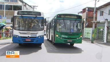 Prefeitura de Salvador anuncia chegada de ônibus, mas veículos ainda não podem circular - Usuários do transporte público reclamam das más condições da frota, que tem idade média de seis anos.
