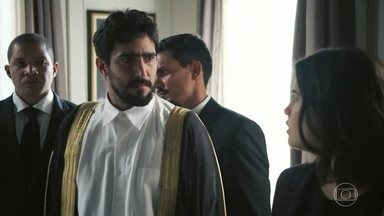 Diante das ameaças, Jamil decide se casar com Dalila - Ela ainda tripudia de Laila antes de deixar a sala
