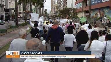 Passeata lembra um ano da morte de jovem que foi espancado em balada de Santos, SP - Nesta segunda-feira (29) completa um ano que Lucas Martins de Paula morreu no hospital após ser agredido por seguranças de uma casa noturna.