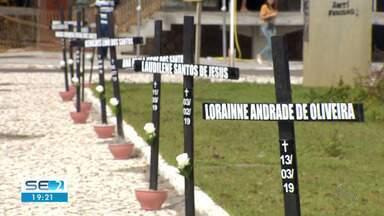 Dia Estadual de Combate ao Feminicídio é lembrado em Aracaju - Autoridades fizeram um ato pelo fim da violência doméstica.