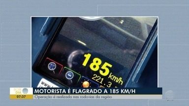 Operação em rodovias flagra motoristas em excesso de velocidade - Teve gente que passou a 180 km/h na Rodovia Assis Chateaubriand (SP-425).