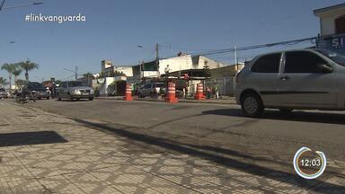 Após mais de quatro meses, avenida Juca Esteves em Taubaté é liberada em Taubaté - Após mais de quatro meses, avenida Juca Esteves em Taubaté é liberada em Taubaté