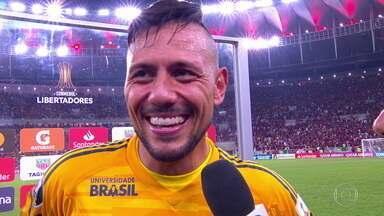 """Diego Alves comenta emoção da classificação para a próxima fase da Libertadores: """"Hoje é o dia da glória"""" - Diego Alves comenta emoção da classificação para a próxima fase da Libertadores: """"Hoje é o dia da glória"""""""