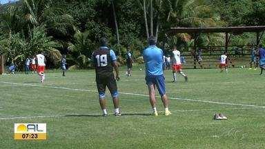João Carlos se prepara para voltar ao Gol do CSA - Jordi desfalca o time por ter tomado o terceiro cartão amarelo