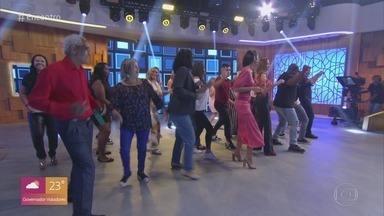 Programa de 01/08/2019 - Patrícia Poeta e Lair Rennó recebem os atores Kaysar Dadour e Roberta Rodrigues. A música fica por conta de Stevie B