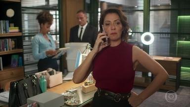 Nana chama Marcos de covarde - Nana liga para Marcos e diz que saiu da editora do pai