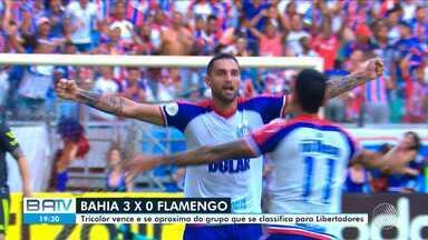 Bahia 3 x 0 Flamengo; Torcedores comemoram a goleada que encerrou a seca de gols do time - A vitória do tricolor aproxima a equipe do grupo que classifica para o Libertadores.