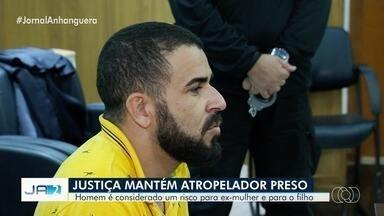 Justiça mantém prisão de homem suspeito de atropelar a ex-mulher e o filho, em Goiânia - Cristiano Barbosa Ferreira, de 33 anos, foi preso em flagrante na terça-feira. Segundo a polícia, ele teria atropelado as vítimas por não aceitar o fim do relacionamento com a ex.