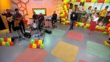 """Banda do Instituto Anelo alegra o aniversário do """"Como Será?"""" - Conheça o projeto do Instituto Anelo e os músicos que animaram a nossa festa no estúdio"""