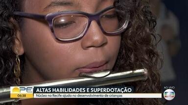 Núcleo ajuda no desenvolvimento de crianças com inteligência acima da média - Acredita-se que 5% da população brasileira tenha altas habilidades.