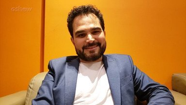 Luciano, da dupla com Zezé Di Camargo, comenta amor pelas novelas - Nos bastidores do 'Altas Horas', cantor ainda comenta a volta do projeto Amigos